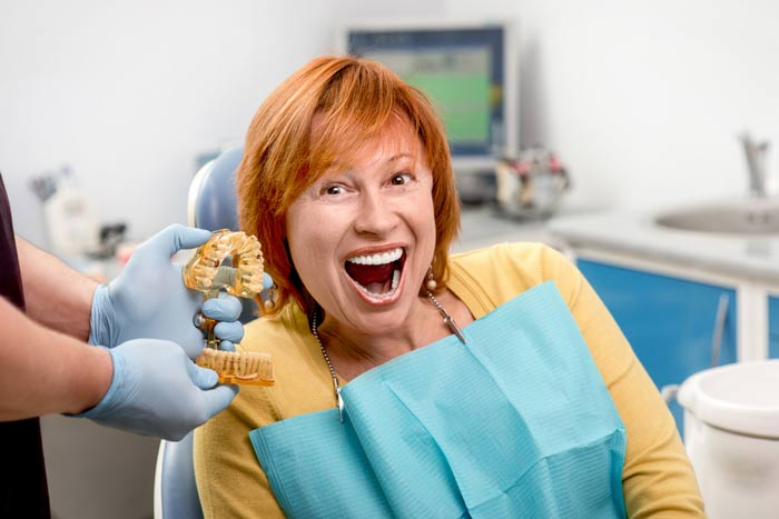 ישור שיניים במרפאה במרכז